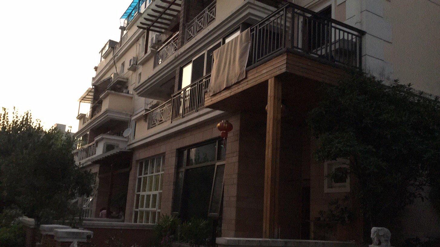 5层12户一栋楼房,外墙2000方,需用SKK涂料粉刷翻新。包工 料价/平?