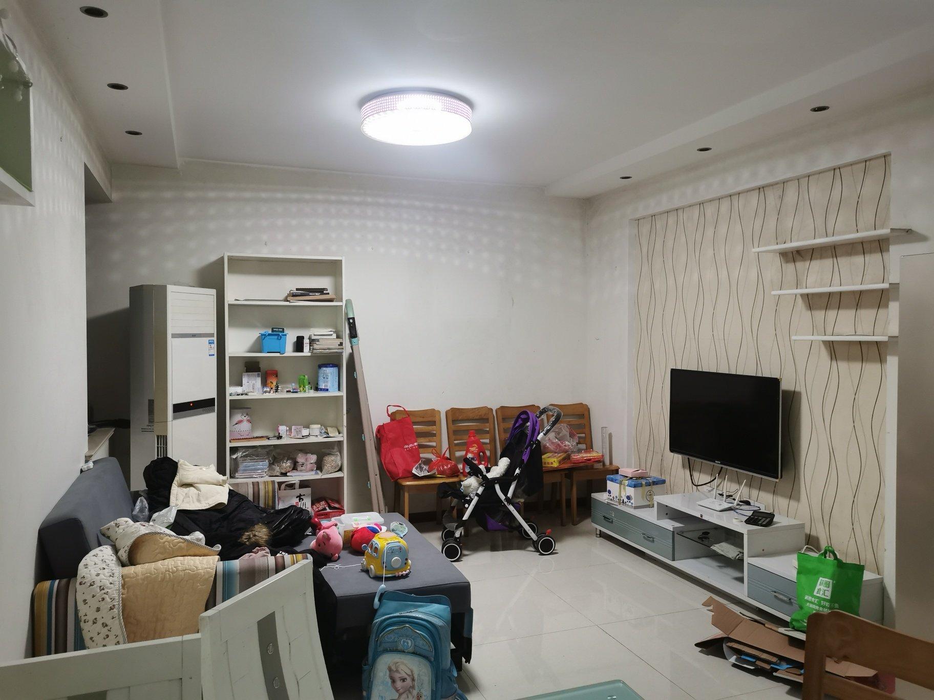 我想把客厅隔成房间,大概要多少钱