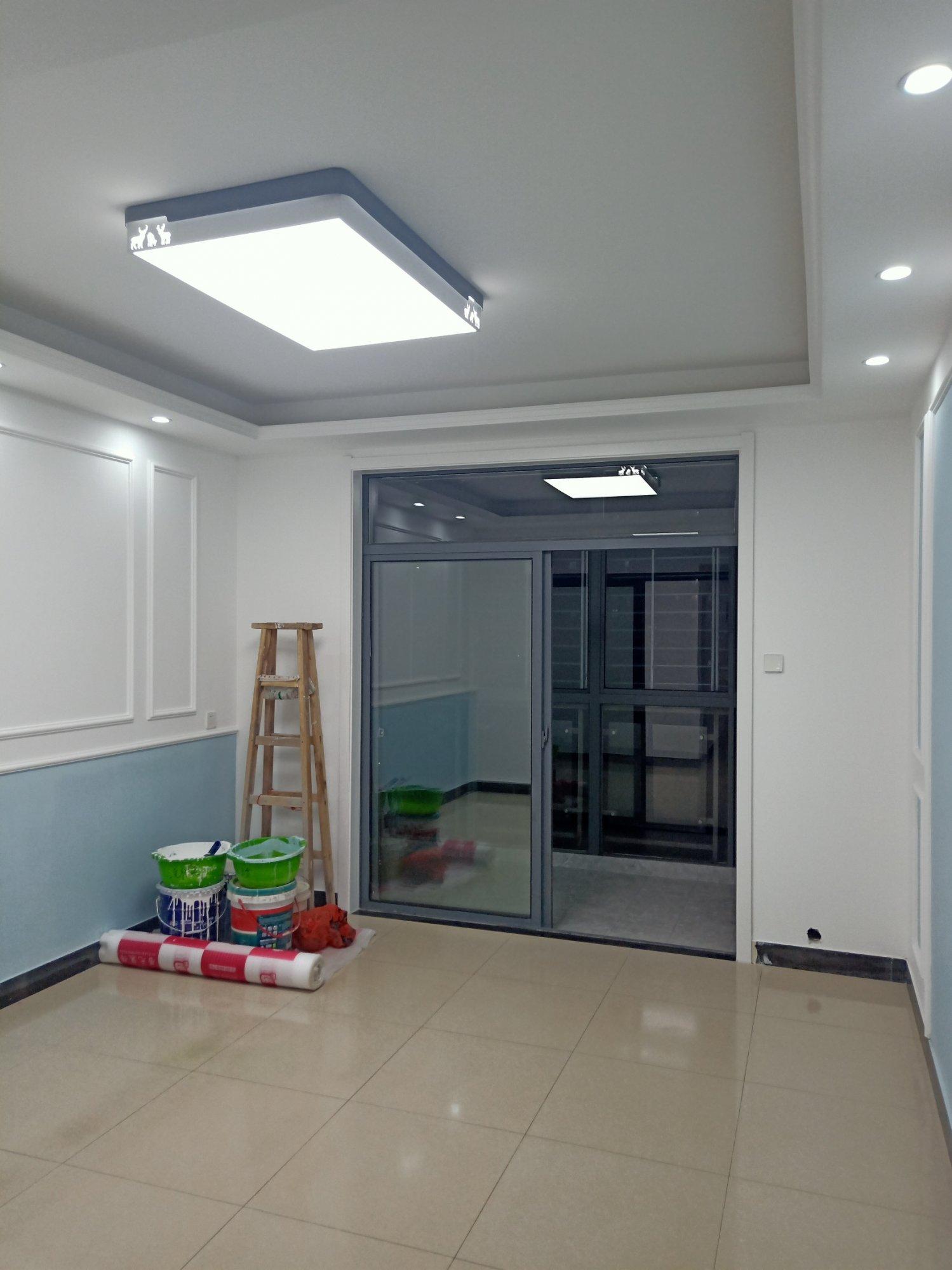 客厅厨房地板砖翻新