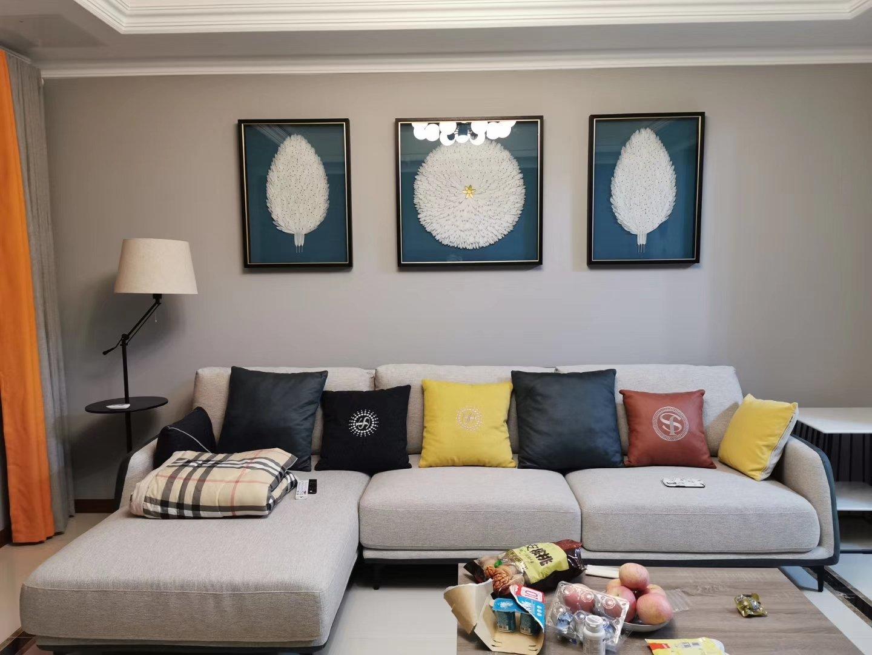 目前家里已经装修好,想找一位可以给布置下家里的软装设计师,使家里更有格调一些🤩