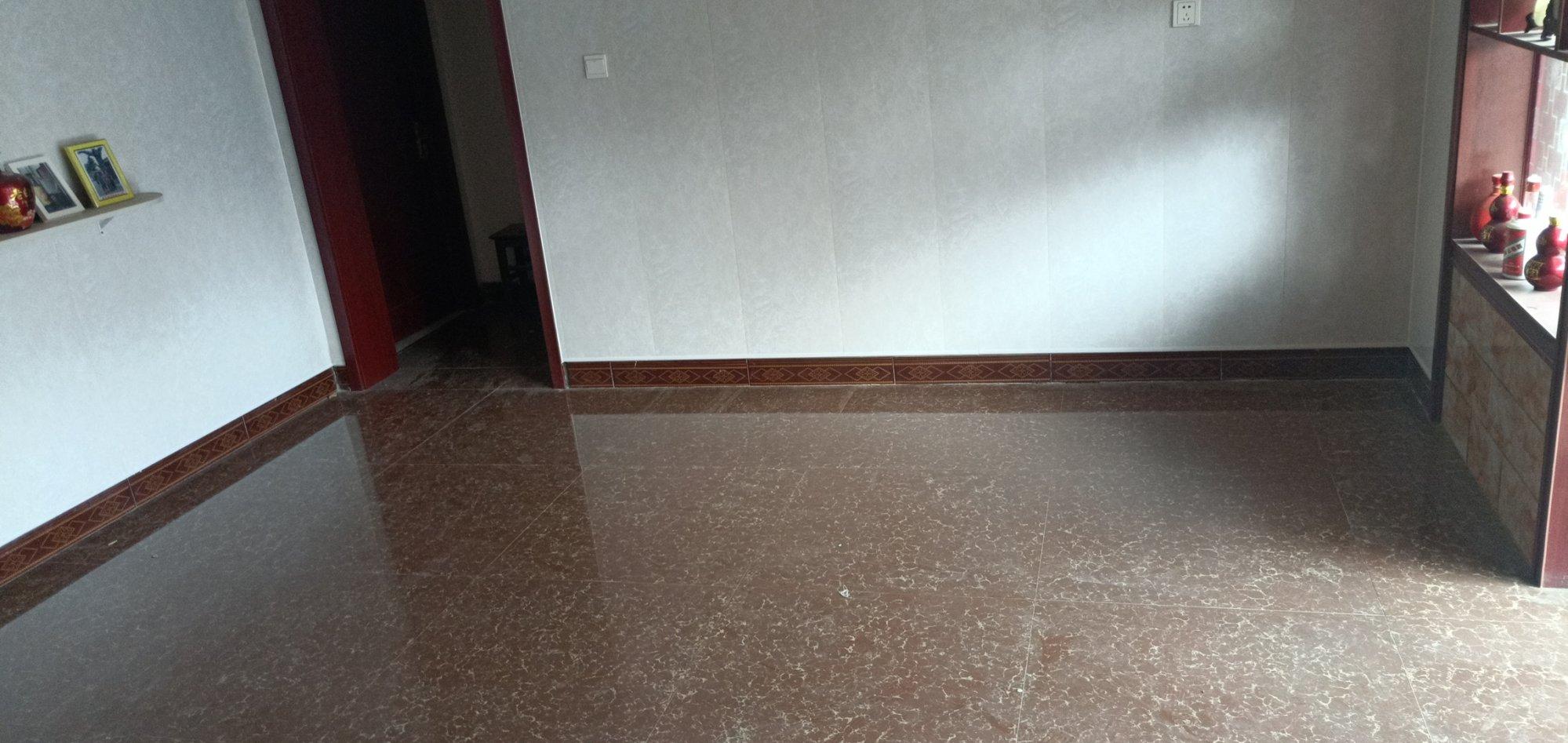 客厅暗红色地砖搭配什么样的沙发比较好