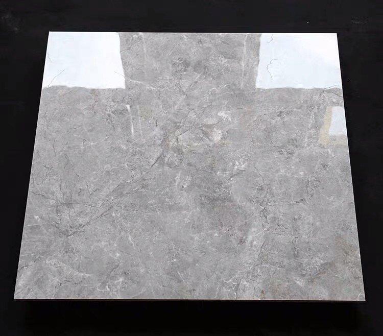选了这款通体大理石 ,用手摸着在砖的光滑表面的有纹路