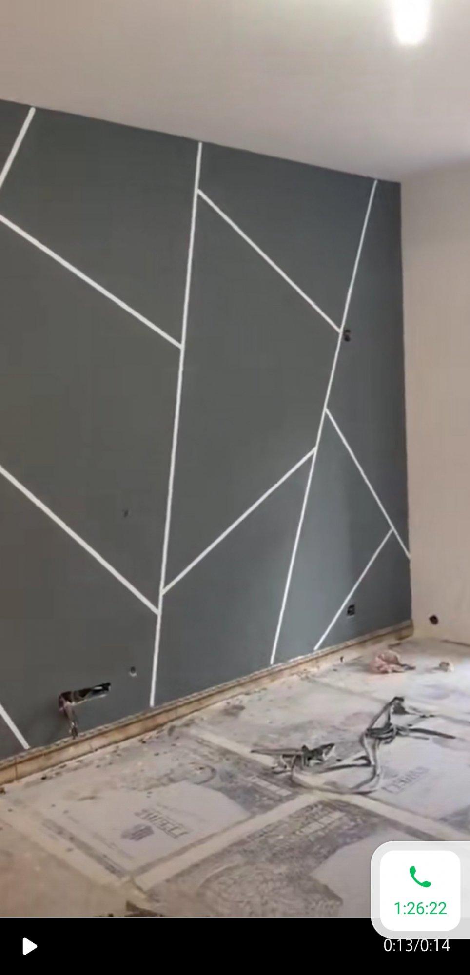 想做个简单的影视墙,用硅藻泥和乳胶漆能差多少钱?效果上有有什么区别?