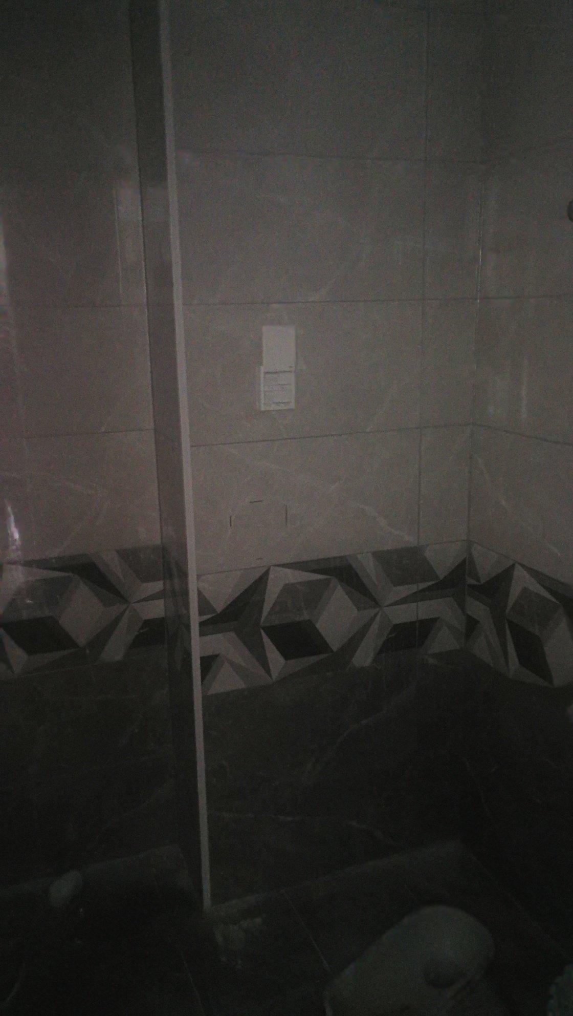 卫生间这样的砖配什么样的洗面池好些