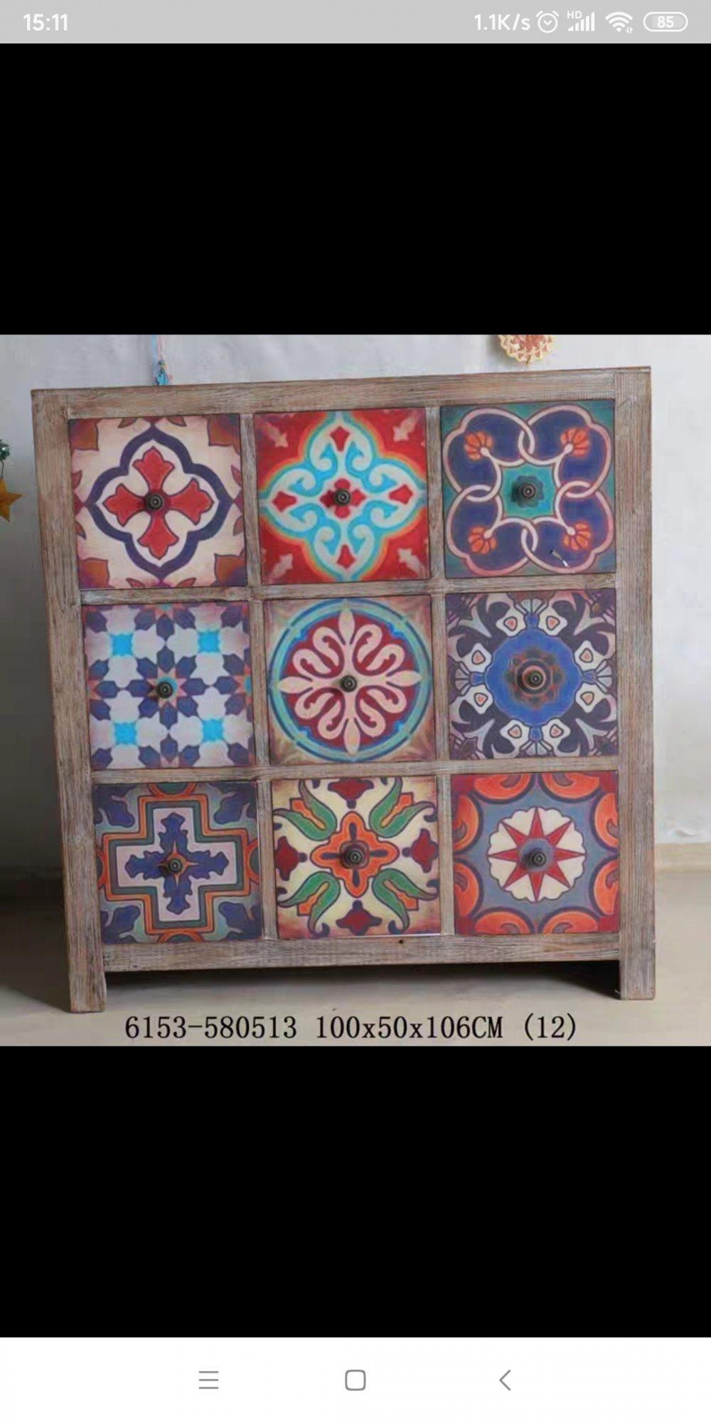 要买一个小吧台,可以跟下面这个颜色的柜子搭配,吧台用哪个颜色有画龙点睛的效果?