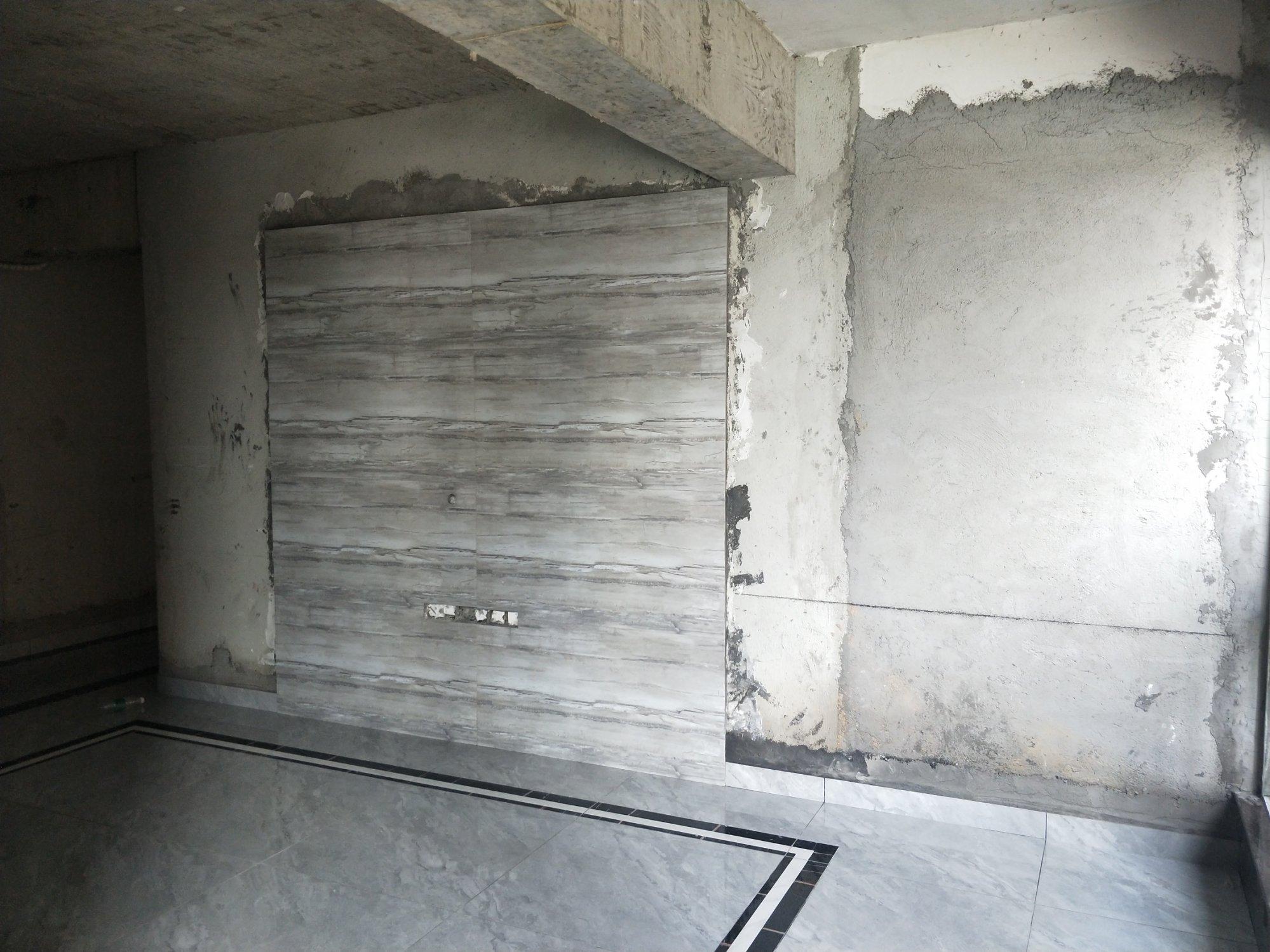 请大神们知道一下这电视墙该如何抢救一下,左侧88厘米右侧182厘米