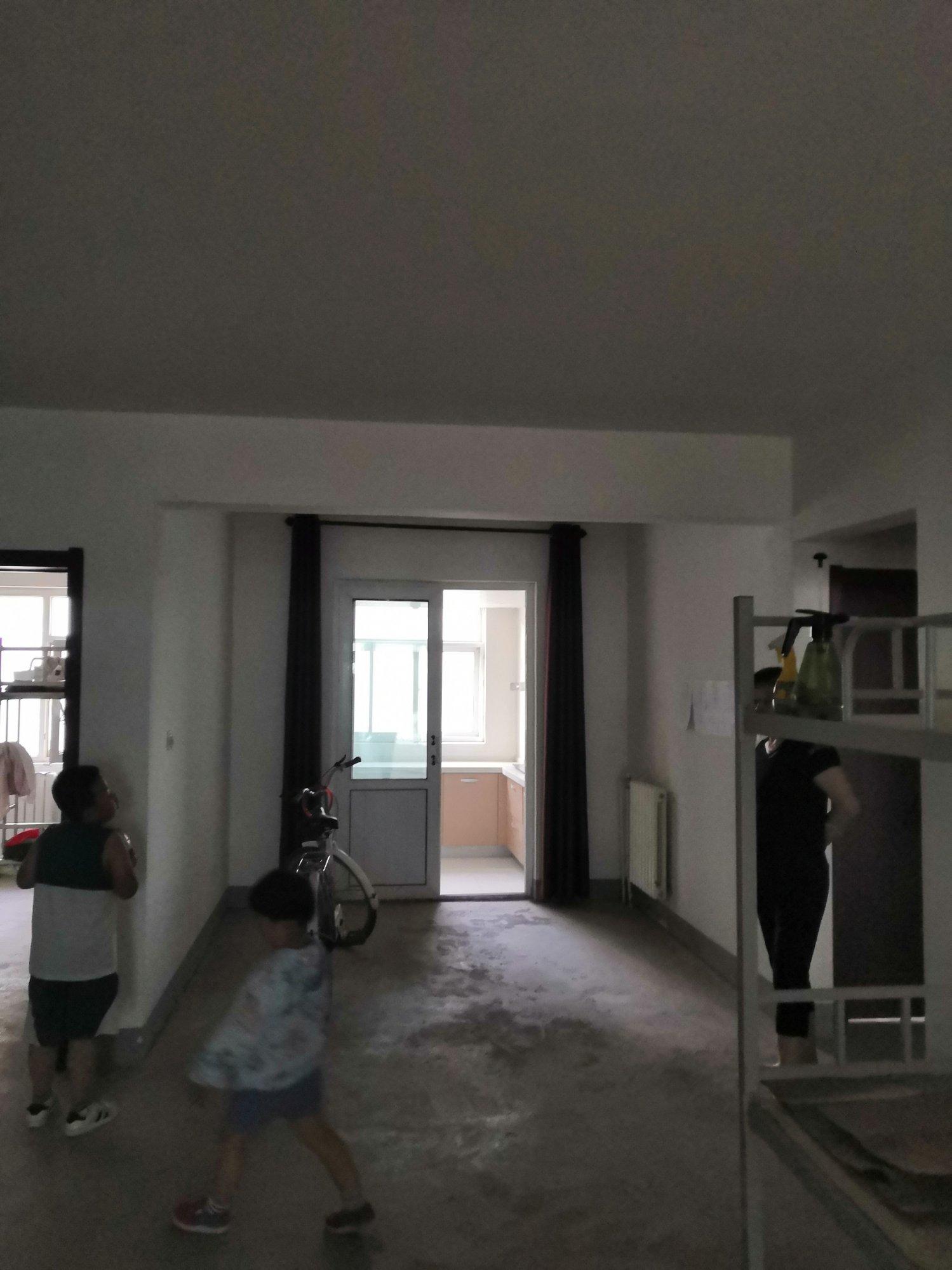 三楼,房间里很暗,怎么装修出明亮效果