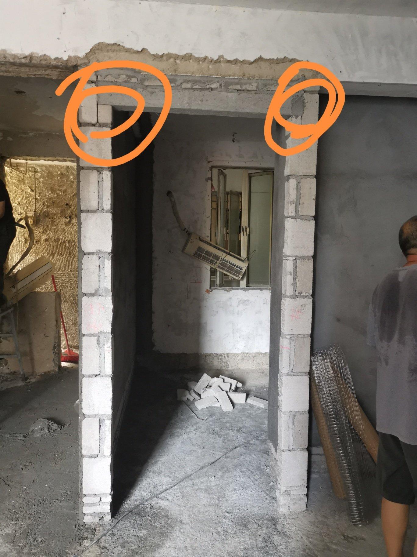,门梁压墙里面最少多少?
