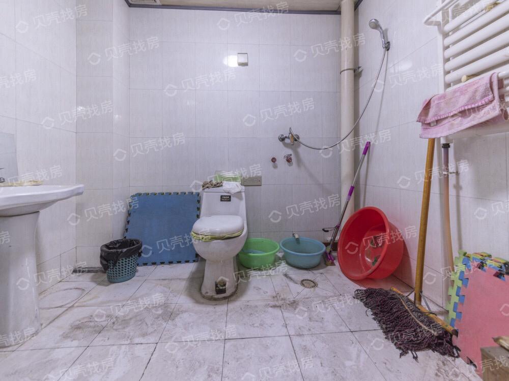 只装修一个洗手间,一个次卧需要多少费用