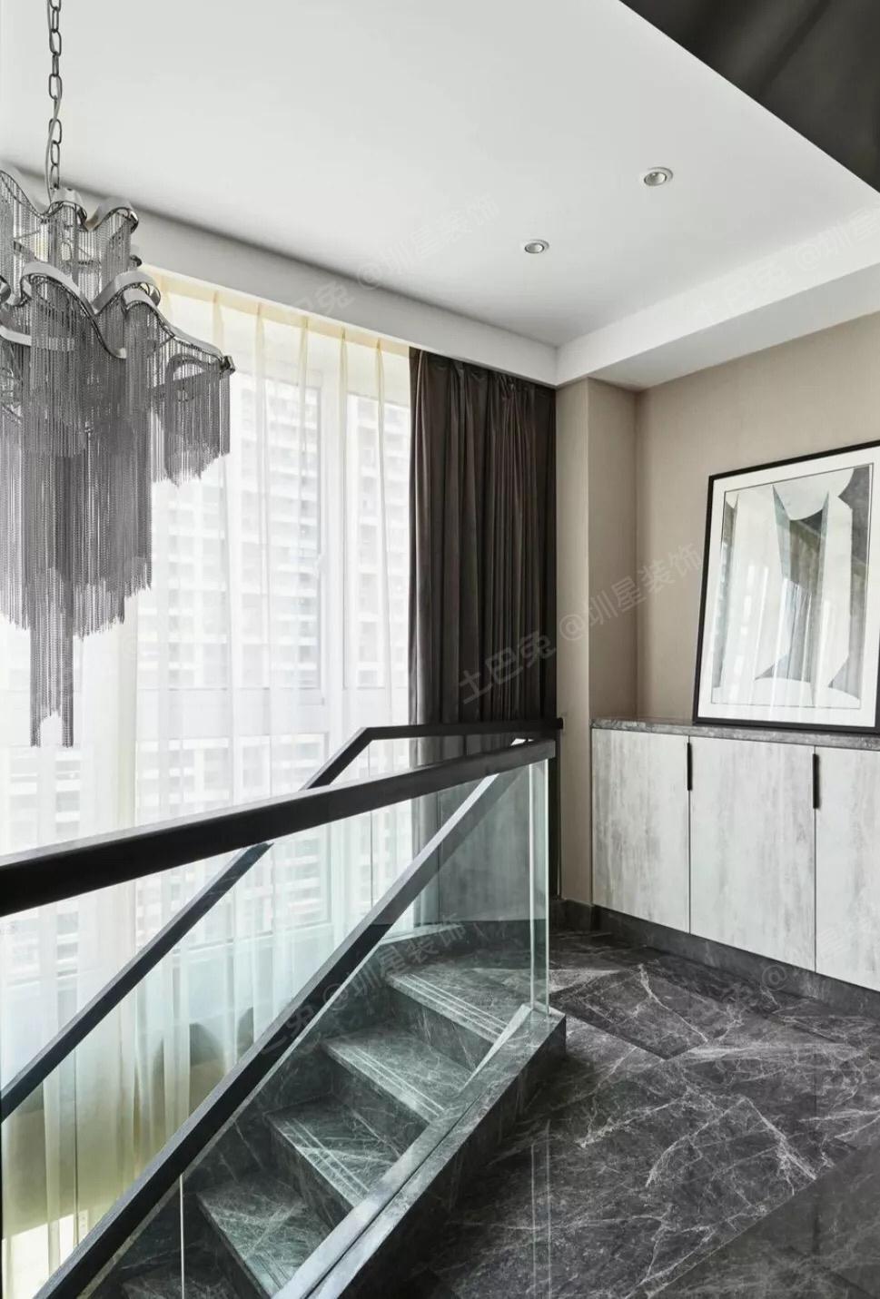 楼梯玻璃多少钱一平方