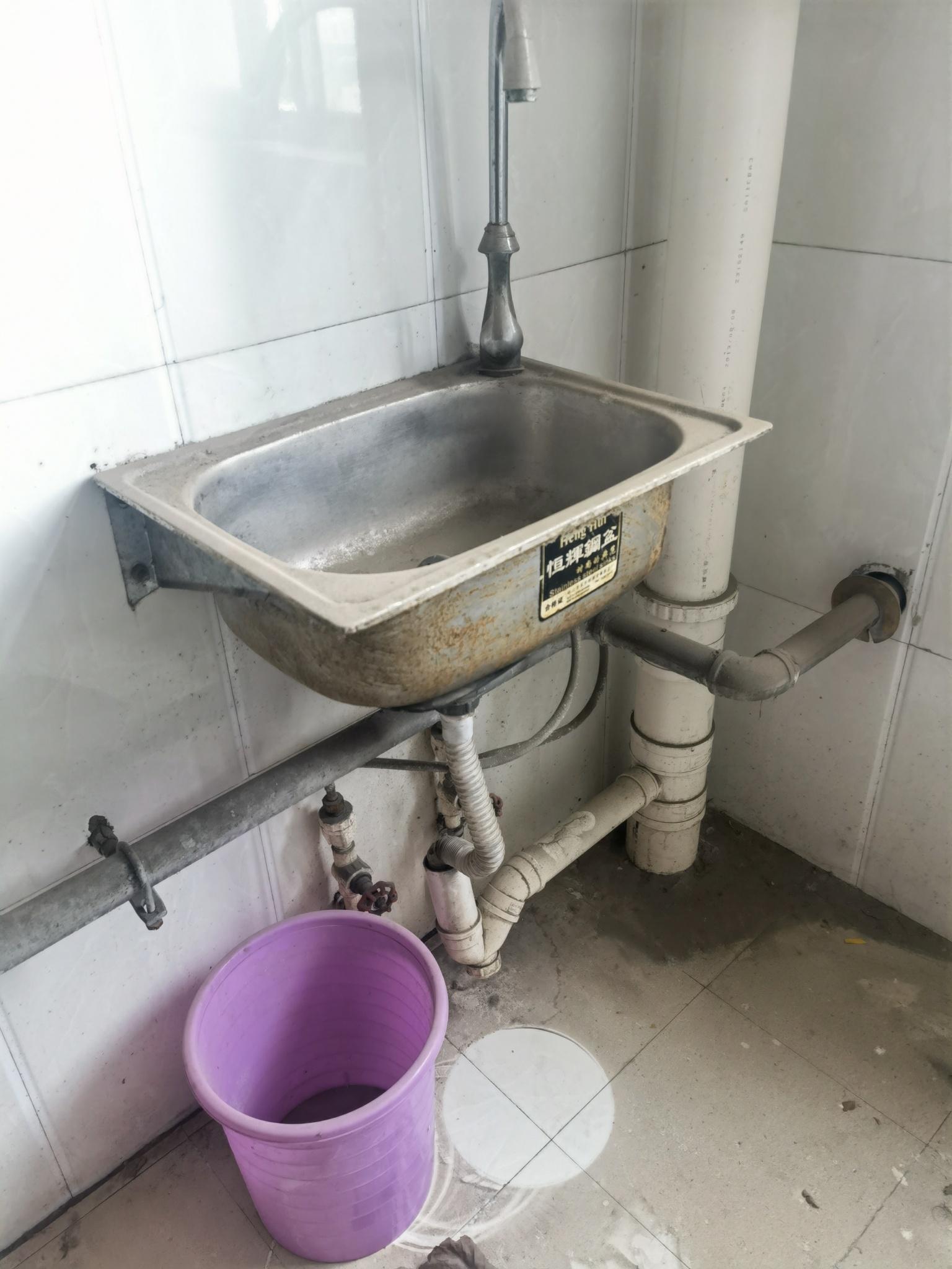 热水器的冷热管和洗碗池的进水管可以交换位置吗?
