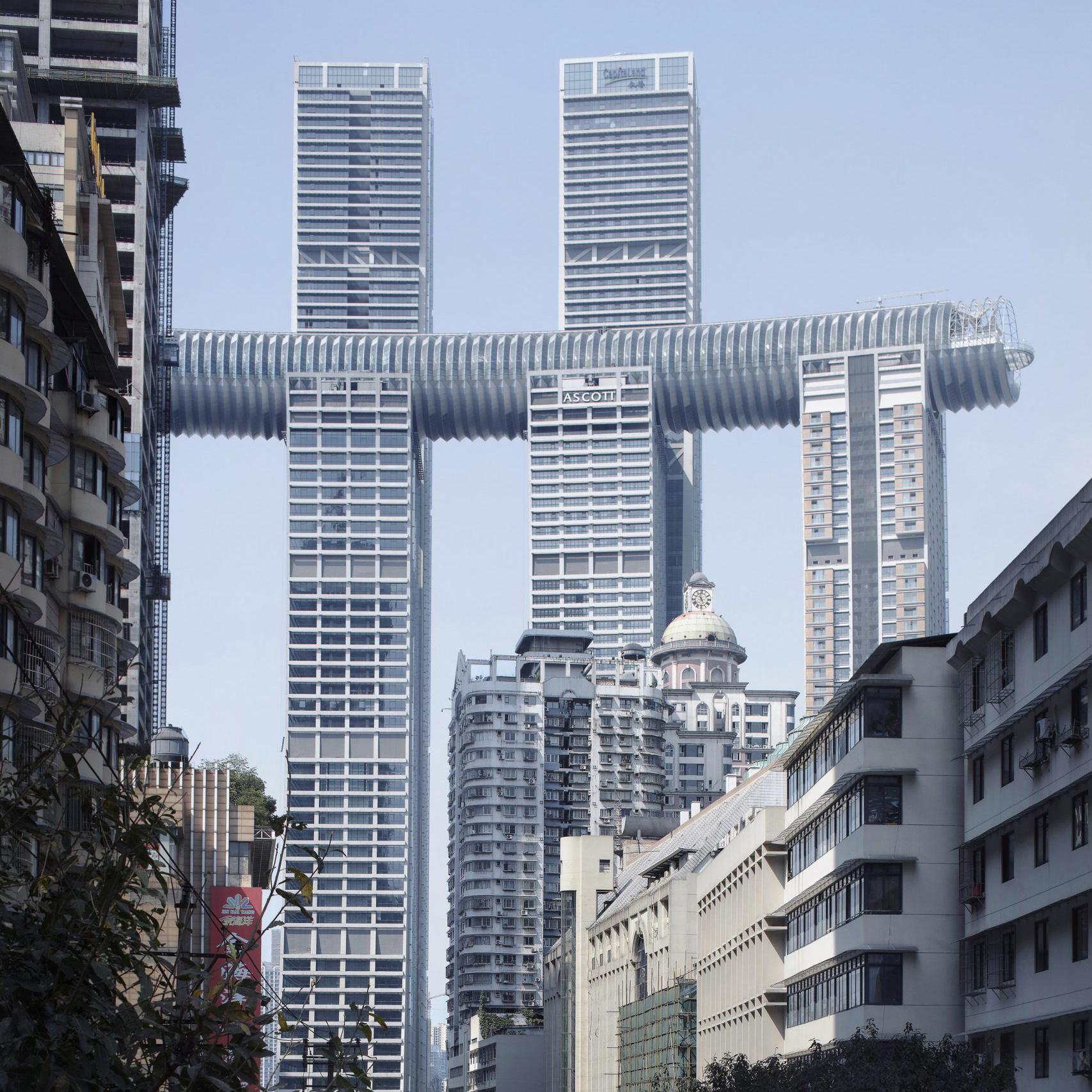 11 重庆来福士水晶连廊,萨夫迪建筑事务所.jpg