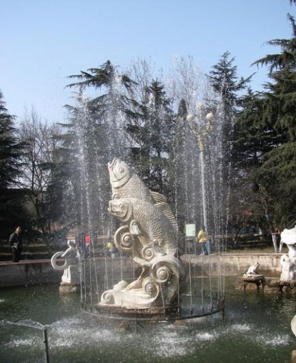 雕塑喷泉图片_雕塑喷泉图片下载