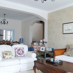 房屋小客厅茶几装修效果图