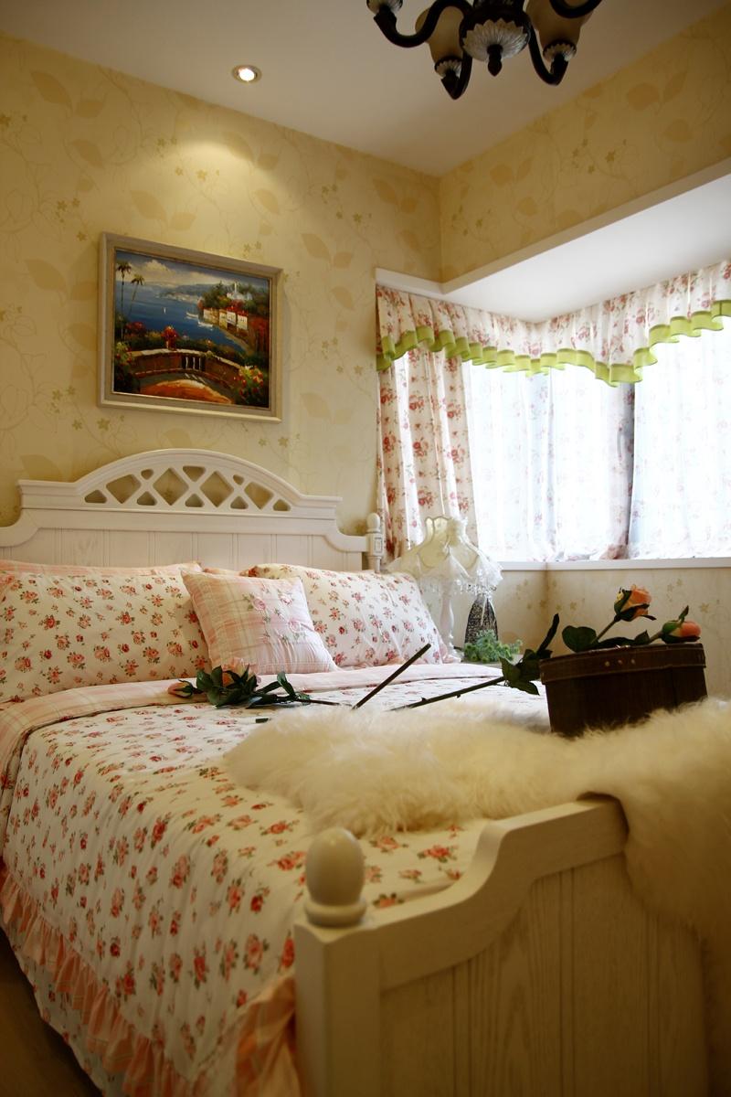 娱乐资讯_田园风格样板房卧室飘窗窗帘装修效果图–设计本装修效果图