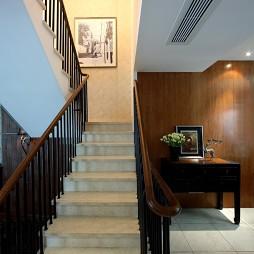 中式古典样板房楼梯装修效果图