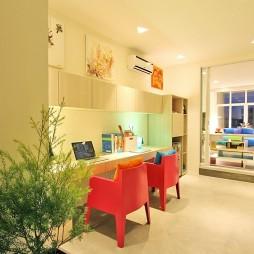 菲律宾联排别墅书房过道书桌装修效果图