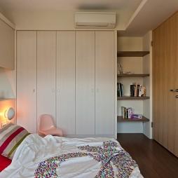 现代简约风格温馨儿童卧室组合衣柜书柜装修效果图片