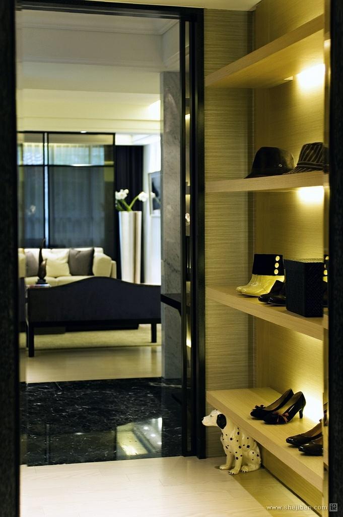 家装欧式风格效果图_鞋帽间 – 设计本装修效果图
