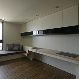 台北惠宇仰森林四居室内设计书房书桌设计装修效果图