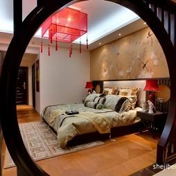中式风格简单温馨80后婚房卧室花纹壁纸背景墙装修效果图片