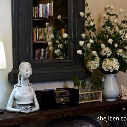 北京某私墅混搭客厅装饰柜摆设装修效果图