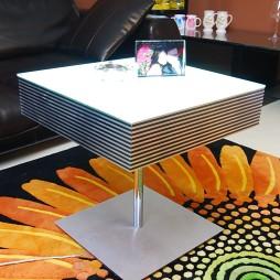 风尚波普打造香艳美屋不规则客厅小茶几装修效果图