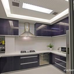 现代风格开放式U型别墅厨房橱柜装修效果图片