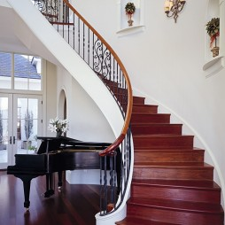 2017现代风格别墅高档实木旋转式楼梯扶手护栏装修效果图片