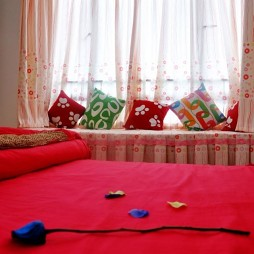 田园卧室飘窗窗帘装修效果图