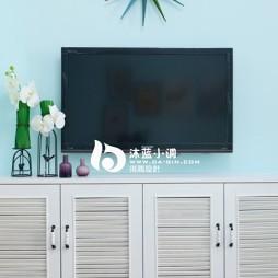 简装超小客厅浅蓝墙面漆简易电视墙装修效果图