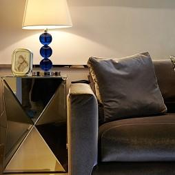 现代客厅个性茶几装修效果图