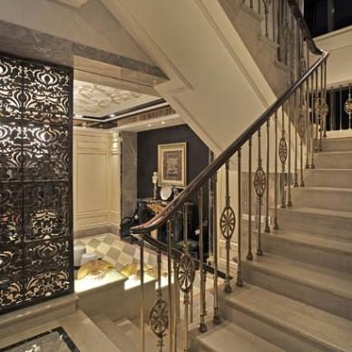 2013欧式风格别墅室内不锈钢楼梯护栏装修效果图
