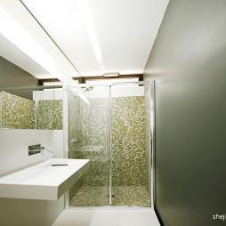 黑白简约时尚空卫生间淋浴房效果图