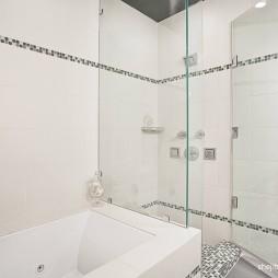 2017现代风格别墅豪宅主卫生间带浴缸淋浴房装修效果图欣赏