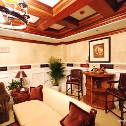 美式风格复式楼客厅满实木梁吊顶带吧台设计图