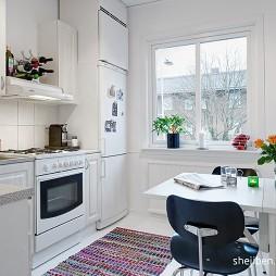 小户型现代风格厨房餐厅小窗户板式置物架装修效果图