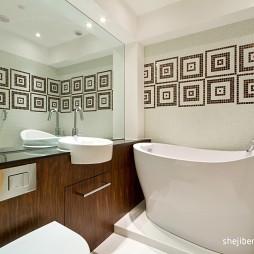 现代风格四室两厅主卫生间马赛克瓷砖装修效果图