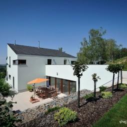 捷  克现代风格别墅设计