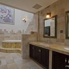 美式风格别墅豪华大卫生间装饰画浴缸大理石瓷砖装修图片