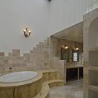美式风格别墅豪华大卫生间吊顶带浴缸大理石瓷砖装修效果图