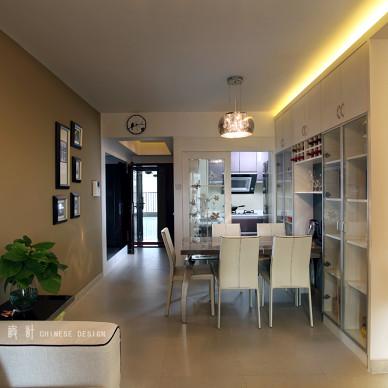 现代风格餐厅橱柜背景墙设计