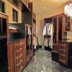 2017现代风格三室一厅宜家衣帽间装修效果图片