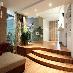 130平米木地板错层中式客厅效果图