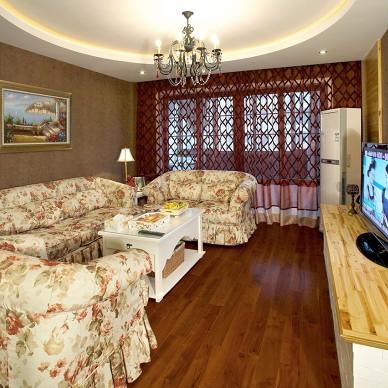 田园风三居室漂亮客厅窗帘效果图