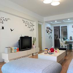 地中海风格小平米简单客厅壁画电视墙效果图