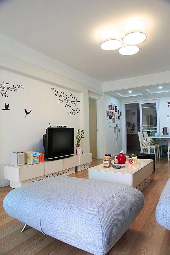 卫生间隔断效果图_地中海风格小平米简单客厅壁画电视墙效果图 – 设计本装修效果图