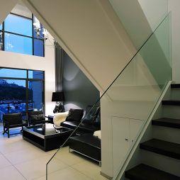 灰墙完美现代玻璃扶手楼梯装修效果图