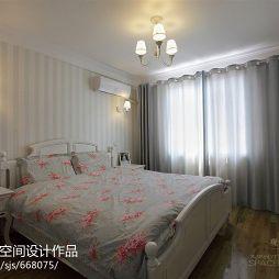 田园风格卧室飘窗灰色窗帘效果图
