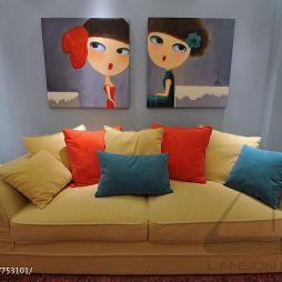 二居室小客厅有竖梁不靠墙沙发摆放效果图